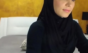 Arab hijab slut gang  &amp_ self-pollution on cam